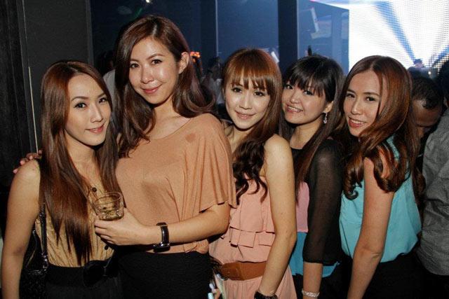 KL Girls Go Clubbing