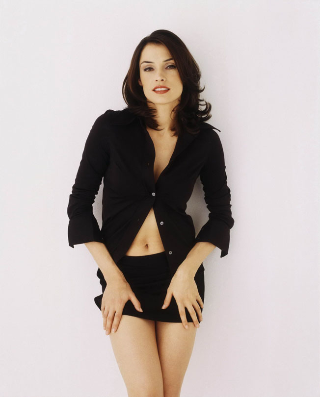 famke-janssen-bond-girl