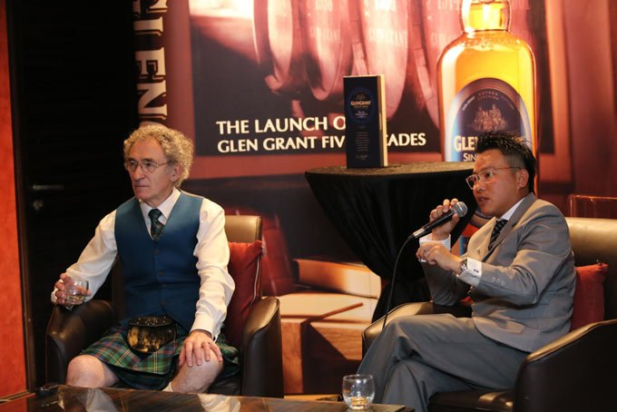 Dennis Malcolm, Master Distiller of Glen Grant together with Samuel Choong, General Manager of Sunrise Wines & Spirits Sdn Bhd during the Media Q & A session