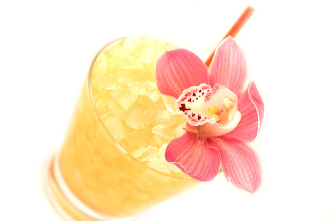 mai tai cocktail drink