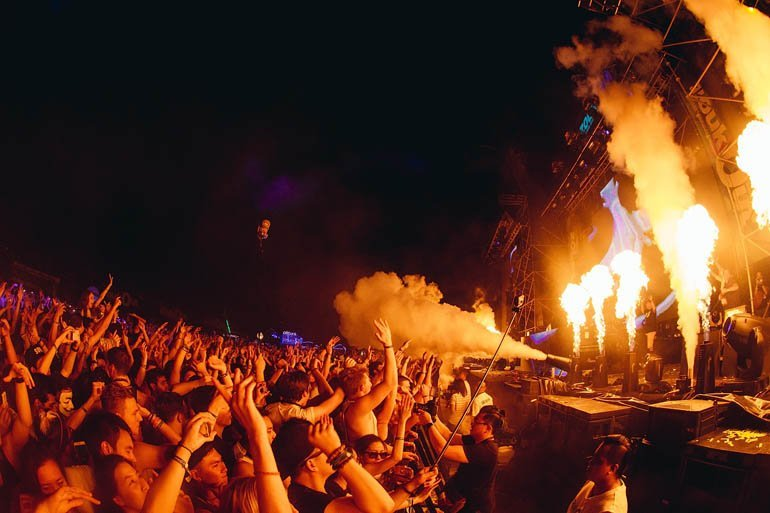 zoukout-2014-crowd