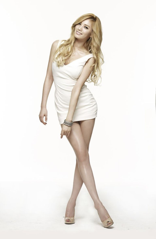 nana-sexy-white-outfit