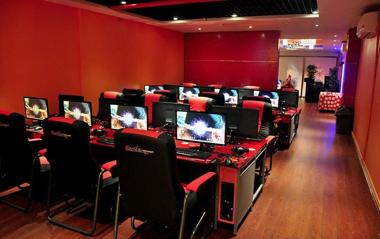 Cyber Cafe - Night Activities in Malaysia