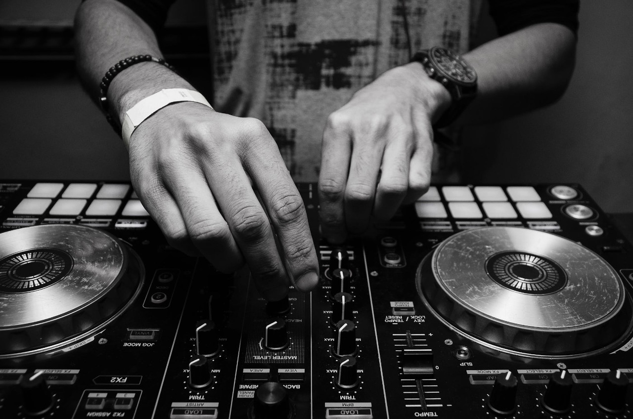 Self Learn DJ Tips and Guide