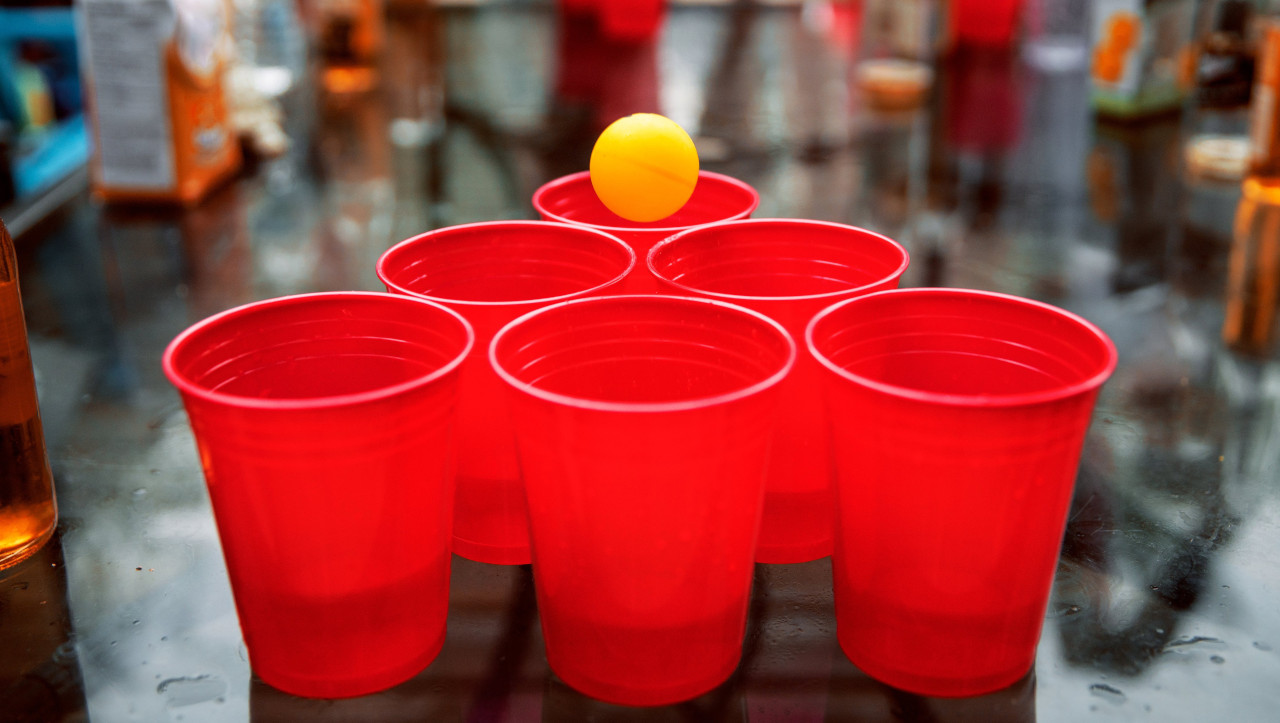Beer Pong - Best Bar Games 2020