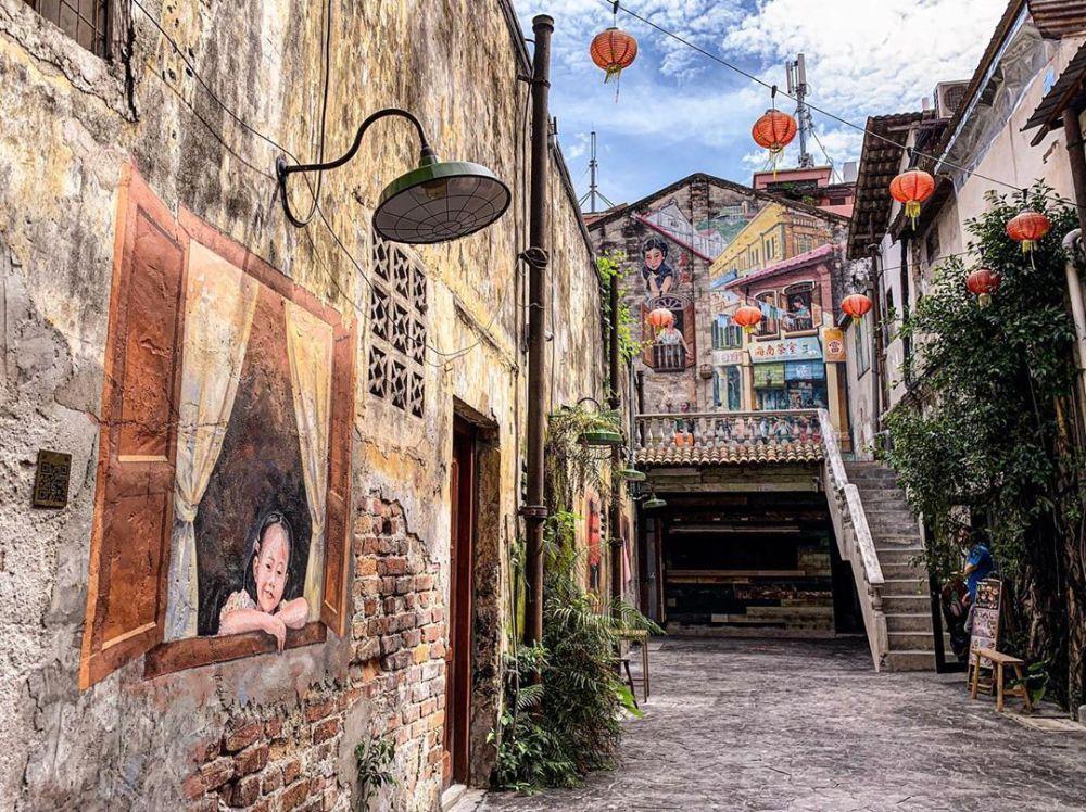 Kwai Chai Hong KL Wall Painting